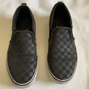 Used Vans slip on sneakers for Big kids (unisex)